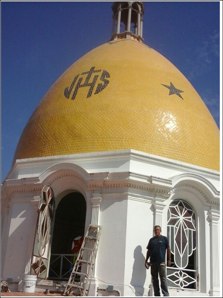Miguel Orozco Viitralista de la Parroquia de la Virgen de Guadalupe en Puerto Vallarta